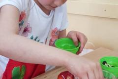 Przekładaniec jogurtowo - owocowy czyli klasowy mini piknik kulinarny na Dzień Dziecka - 2.06.2021
